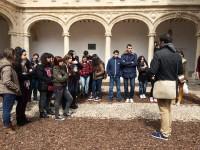 En el patio trilingüe de la Universidad